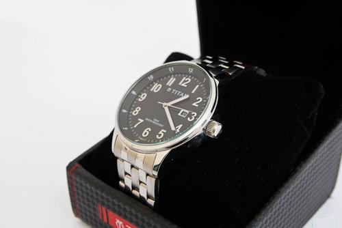 Đồng hồ Titan giá bao nhiêu?