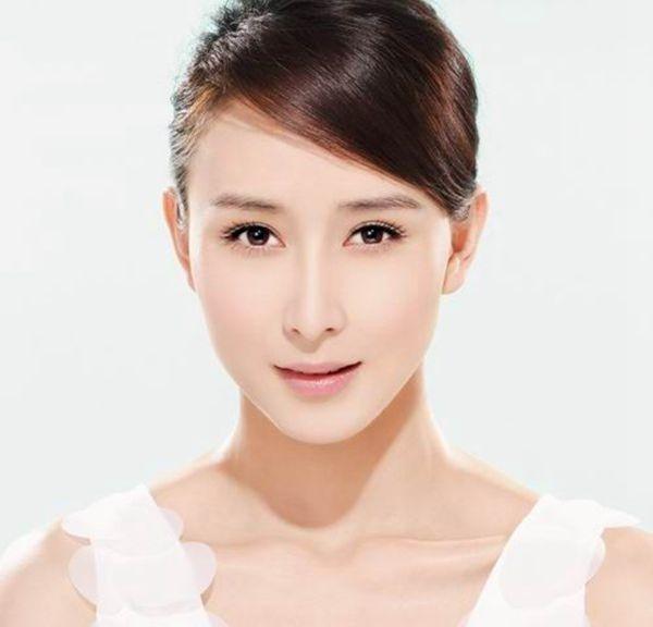 Khuôn mặt bị biến dạng vì phẫu thuật thẩm mỹ căng da mặt