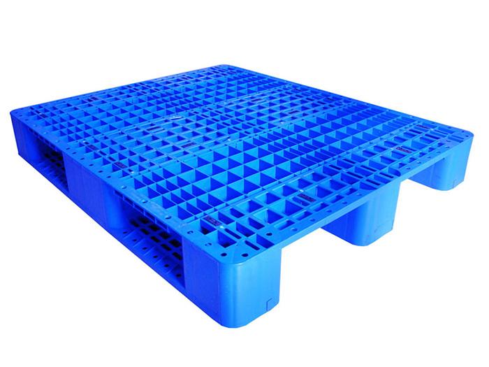 Chọn Pallet nhựa kê hàng nặng